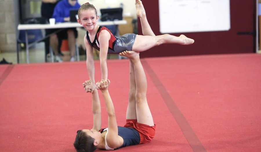 Acrobatics - mixed pair