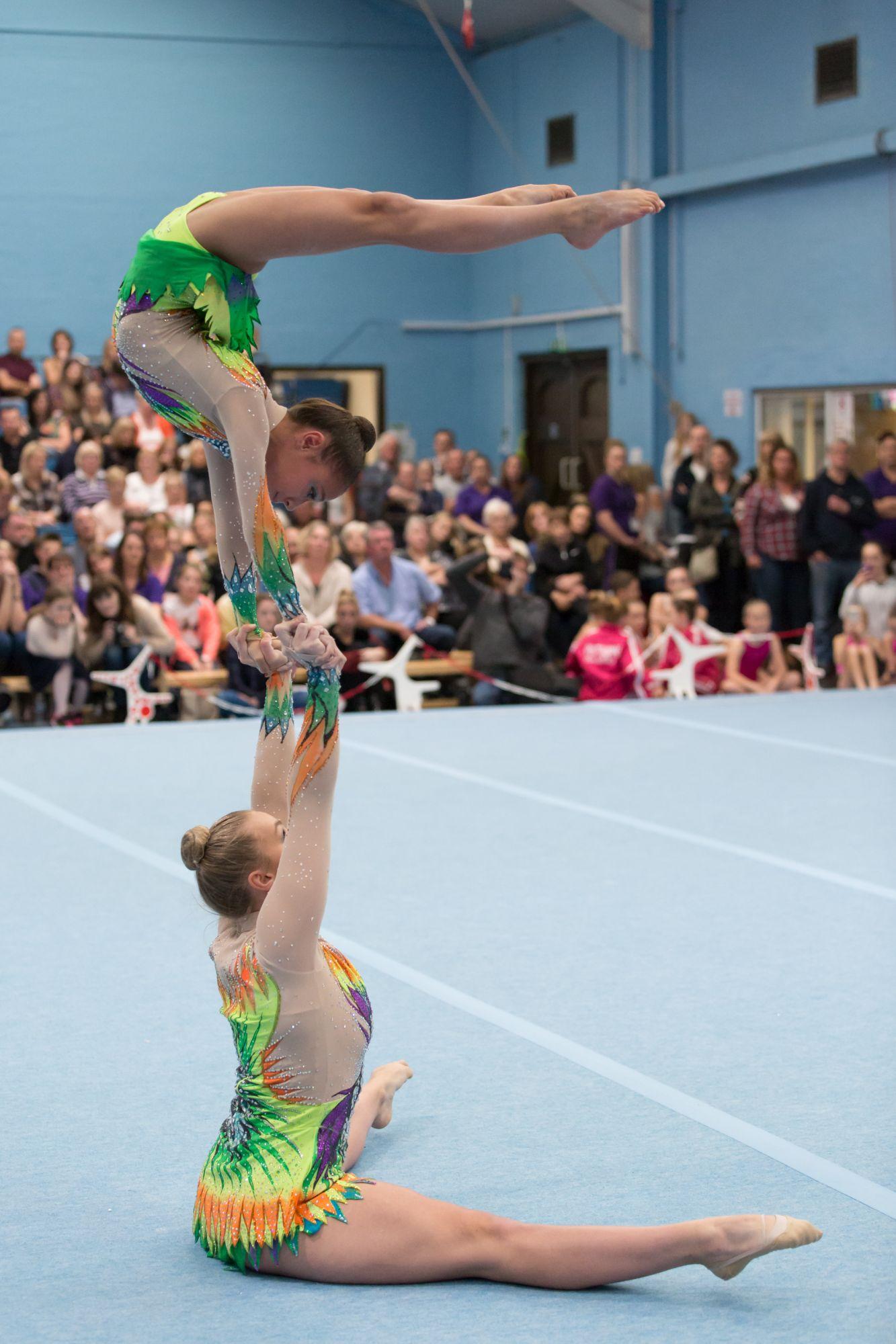 gymnastique en competition images et web